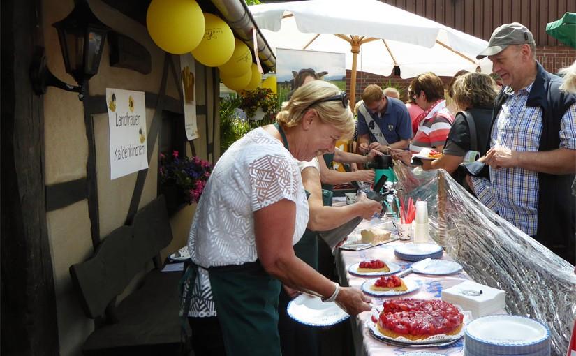 Zur Höfetour 2015 in Nettetal Selbstgebackenes der Landfrauen Kaldenkirchen