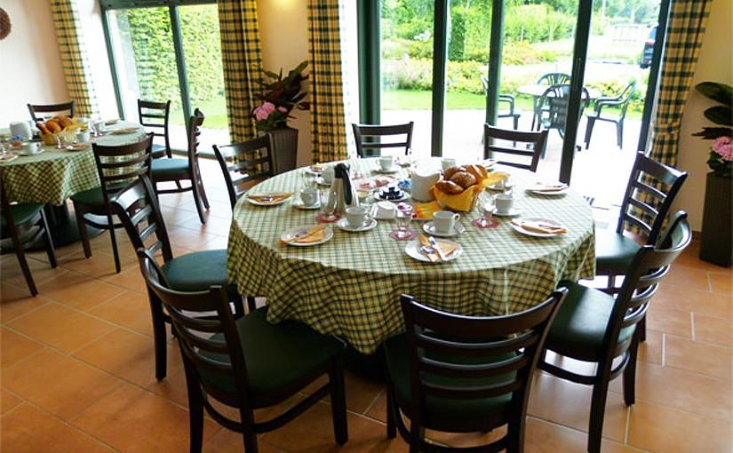 Flachshof Bauernstube als Frühstücksraum für Reisegruppen